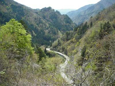 奥飛騨山間の風景
